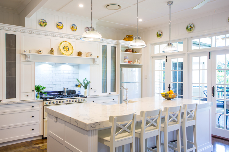 Hampton kitchen design by makings of fine kitchens bathrooms for Hampton style kitchen stools