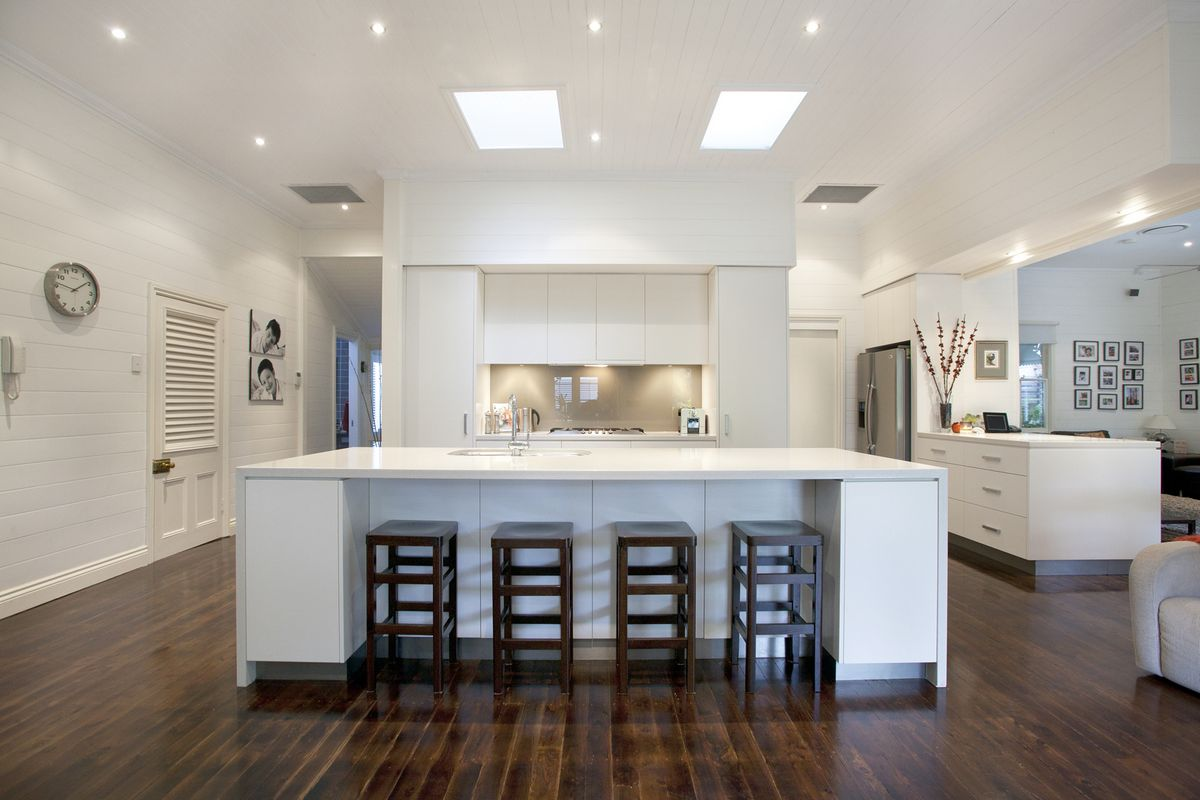 Graceville modern kitchen by makings of fine kitchens for Kitchen island bench